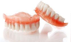 Протезирование зубов нейлоновые